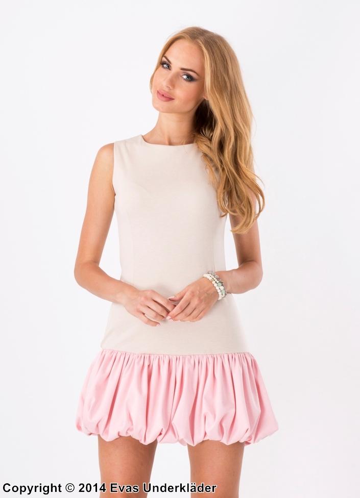 Klänning med kort ballongkjol